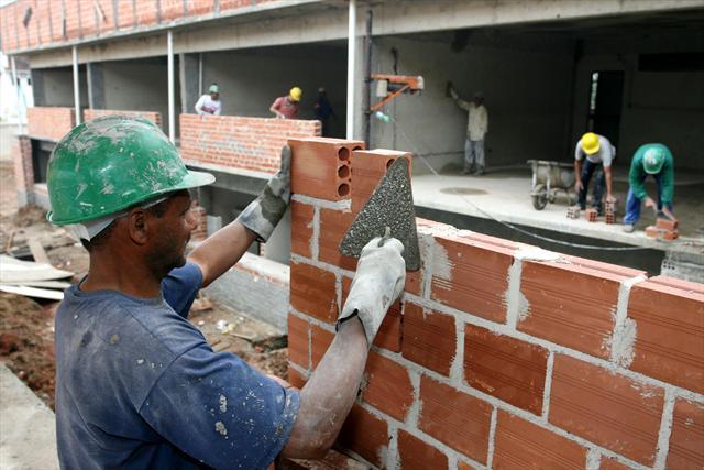 O saldo de empregos em 2011, em Curitiba, foi o segundo melhor desde 2000.