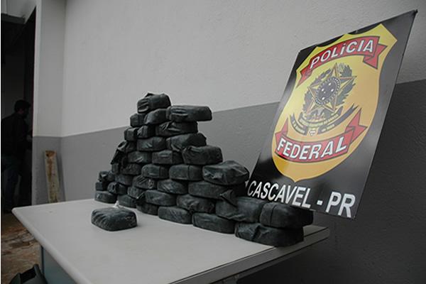 Mais de trinta quilos de crack foram apreendidos em Cascavel. (Foto: PF)