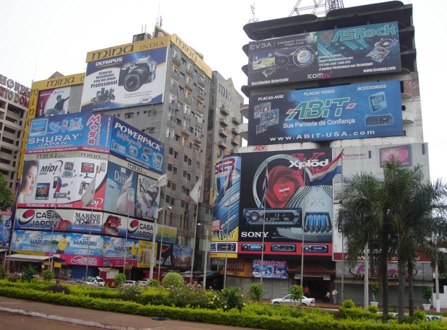 A queda no movimento do comécio em Cidade de Leste é fruto da crise paraguaia.