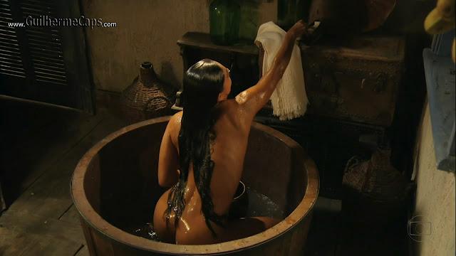 A nudez de Juliana Paes tem garantido altos indices de audiencia em novela.